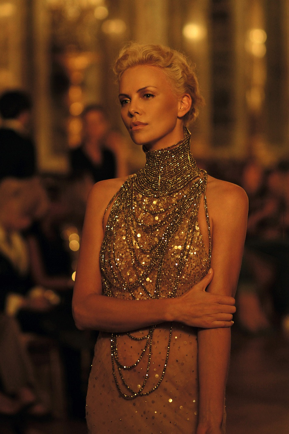 Charlize Theron In Versace For British Vogue: NARS Palm Beach Bronzer! Try A Charlize Theron Bronze