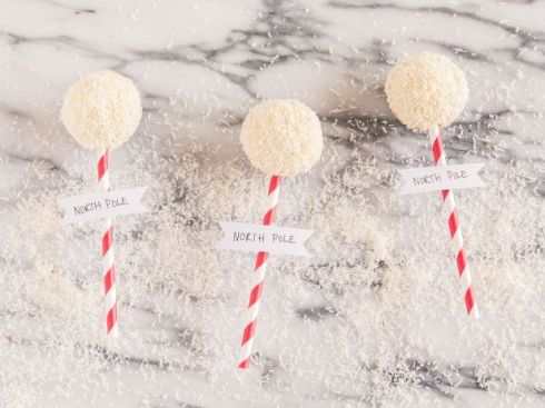 FN_Holiday-Cupcake-Toppers-1_s4x3_jpg_rend_snigalleryslide